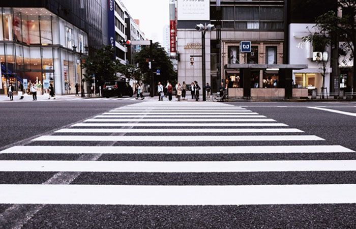 PEOPLE, PLEASE! 5 Wrong Ways of Using Pedestrian Lanes